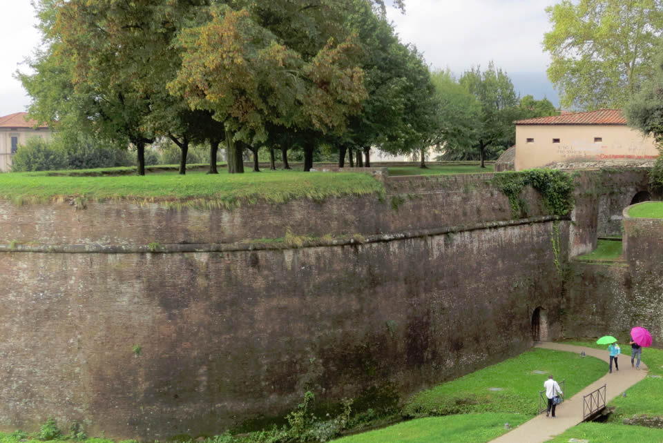 particolare mura Lucca